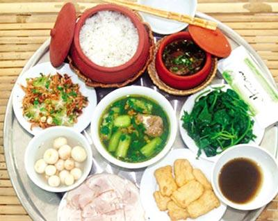 Bữa ăn cân bằng dinh dưỡng thường khá đơn giản